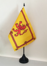 SCOTLAND LION TABLE FLAG (MEDIUM 22.5cm x 15cm)